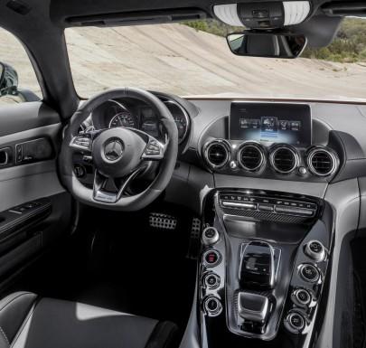 Mercedes-Benz-AMG_GT_2016-4